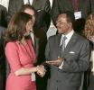 Emmanuel Nganou Djoumessi, ministre de l'Economie, de la Planification et de l'Aménagement du territoire du Cameroun, et Yasmine Bahri Domon, présidente de la Fondation EMA Invest, au 9eme forum EMA Invest à Genève, le 3 octobre 2013